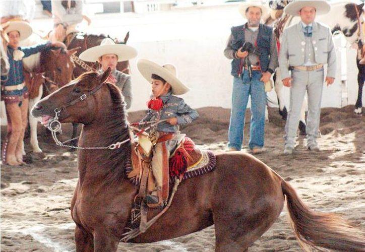 Niños de 9 a 18 años competirán en charrería en la Olimpiada Nacional de Nuevo León. (charroup.com/Foto de contexto)