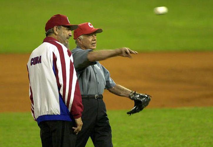 Fidel Castro y el ex presidente estadounidense Jimmy Carter, en La Habana. (AP/archivo)