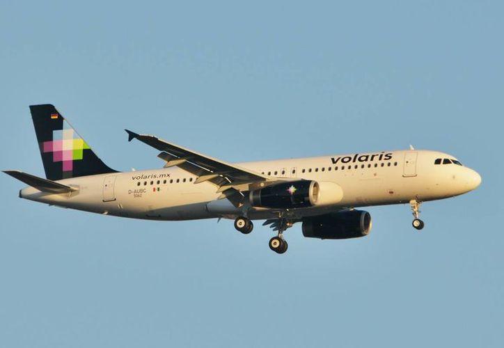 El vuelo procedente de Cancún llego a las 10:40 horas con alrededor de 130 pasajeros. (Foto de Contexto/fsmex.com)