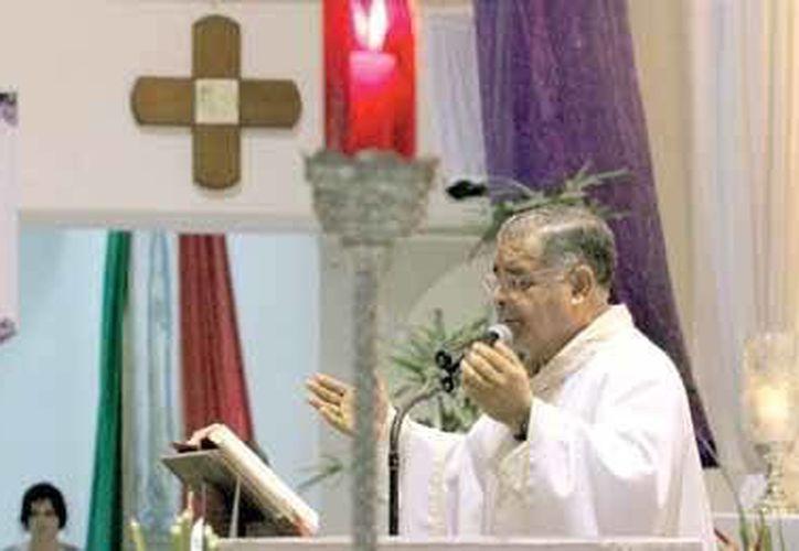 Los números indican que el gusto por ser padre de la iglesia católica va en aumento entre la población de Playa del Carmen. (Octavio Martínez/SIPSE)
