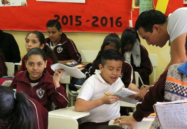 La educación inicial de los maestros ya no es únicamente responsabilidad de las normales. (Archivo/Notimex)