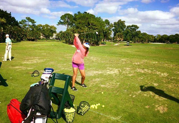 El Holiday Classic de Golf cuenta con la participación de juveniles yucatecos en diferentes categorías y han obtenido buenos resultados en el inicio de la competencia.(Sipse.com)
