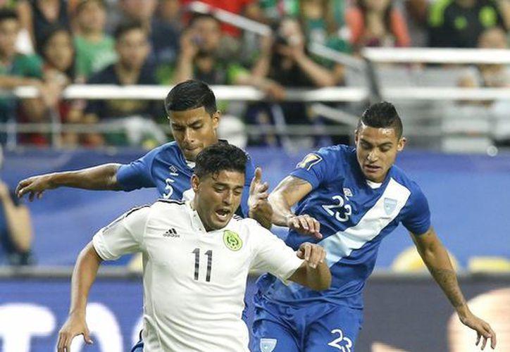 México se ubica en el segundo lugar del grupo con cuatro unidades. (Foto: AP)