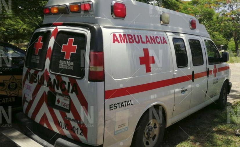 La mujer fue trasladada al Centro de Salud de Umán para una mejor valoración general junto con el feto. (Novedades Yucatán)