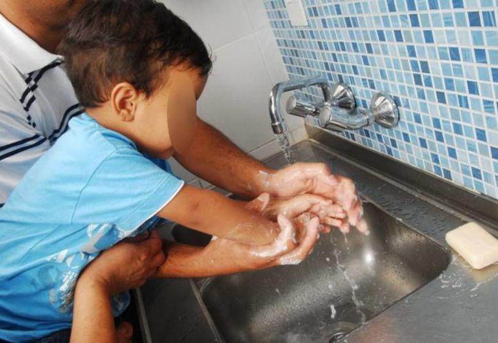 La higiene es el principal 'escudo' contra las enfermedades gastrointestinales, un problema serio de salud en los menores de 5 años de edad, en Mérida. (Milenio Novedades)