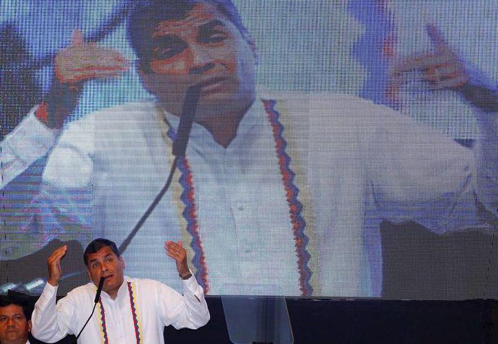 Rafael Correa  da un discurso durante la inauguración de la XII cumbre de la Alianza Bolivariana para los pueblos de nuestra América (ALBA). (EFE)