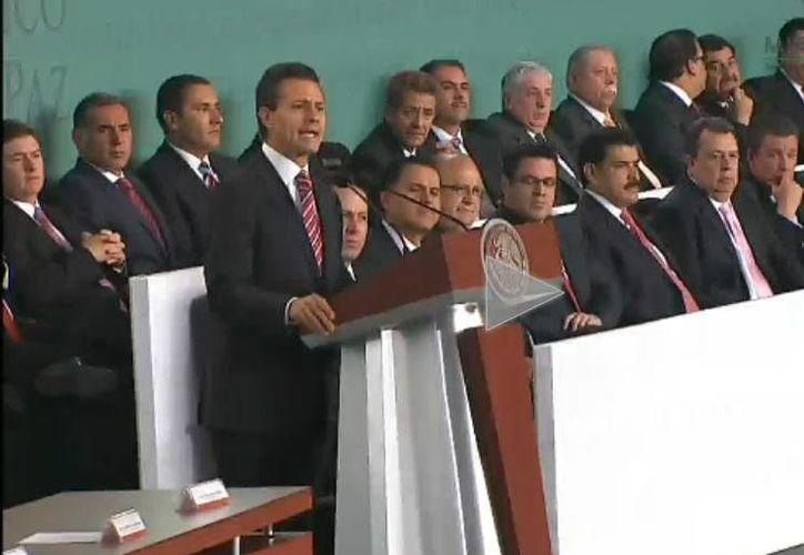 El presidente Enrique Peña Nieto durante la presentación del Plan Nacional de Desarrollo, hoy en Palacio Nacional. (presidencia.gob.mx)