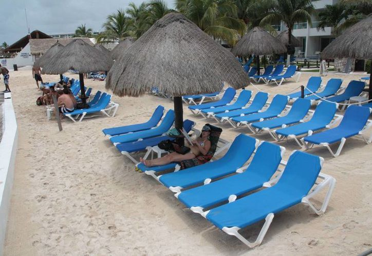 Hoteles y clubes de playa rehabilitarán sus playas artificiales. (Julián Miranda/SIPSE)