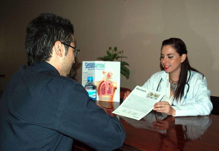 Inculcan a los jóvenes médicos la protección de la vida. (Tomás Álvarez/SIPSE)