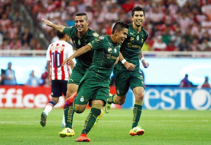 En uno de los últimos movimientos del draft, Néstor Calderón llega al Rebaño Sagrado; Ismael Sosa va de Pumas a Tigres, en otra de las contrataciones llamativas de la jornada. (Raúl Caballero/SIPSE)