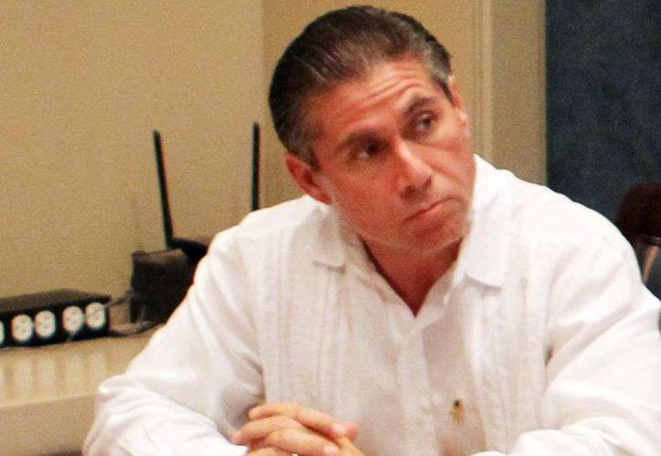 Salvatore Cascio Traconis, presidente del Colegio de Contadores, aseguró que la economía informal podría dispararse el próximo año. (Milenio Novedades)