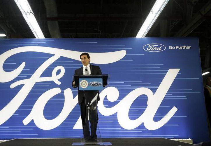 El presidente y CEO de Ford, Mark Fields, ofreció una rueda de prensa para dar a conocer la cancelación de la inversión que haría en una fábrica en San Luis Potosí. (AP/Carlos Osorio)