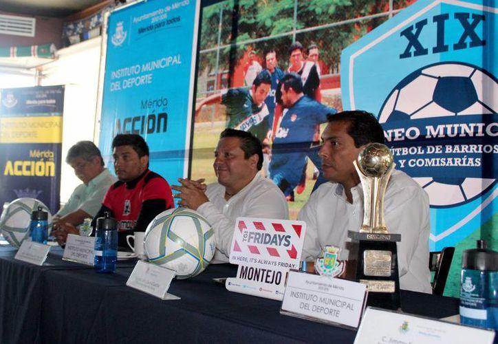 El XIX Torneo Municipal de Futbol de Barrios y Comisarías se jugará en 9 sedes en Mérida y 5 comisarías. (Milenio Novedades)