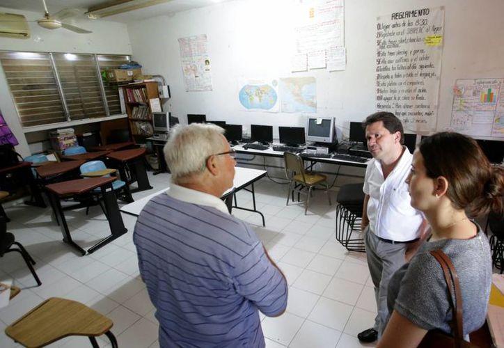 Las instalaciones del Centro Juvenil Salesiano Alborada I en la colonia San Antonio Xluch recibieron apoyos por parte del titular de la Secretaría de Desarrollo Social (Sedesol), Mauricio Sahuí Rivero. (Milenio Novedades)