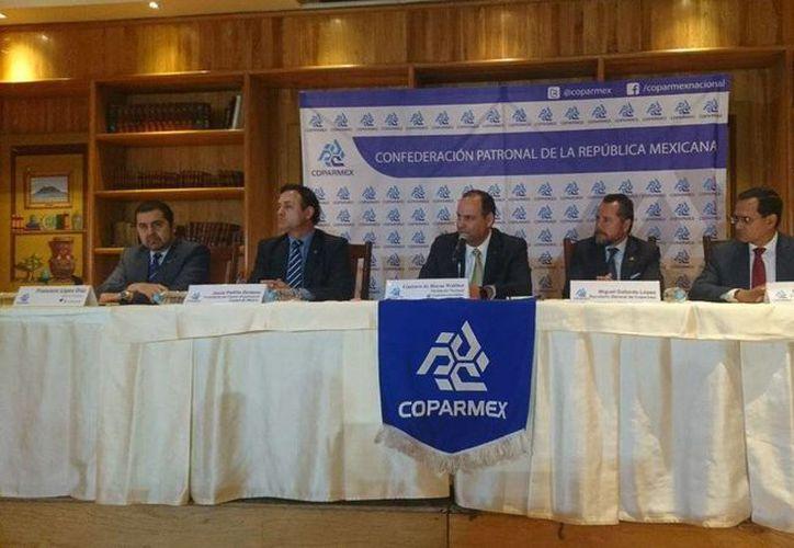 Gustavo de Hoyos, presidente de la Coparmex, presentó un plan de trabajo de tres ejes que incluye el impulso a la economía familiar y la generación de empleo. (twitter.com/Coparmex)