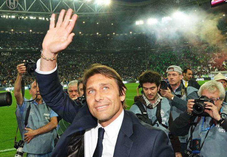 Al frente de Juventus Conte  alcanzó un récord europeo de puntos en liga. (EFE)