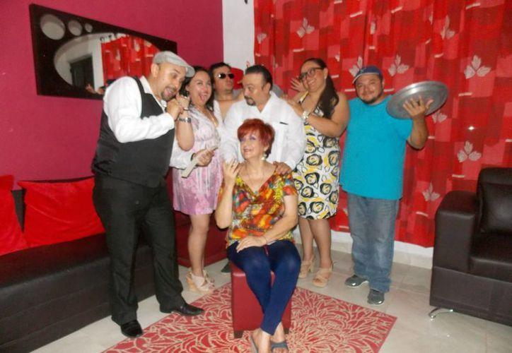 La obra de Betty Rosado 'Que gordito amor' se prentará este miércoles en el teatro 'Armando Manzanero' como parte de las festividades del festival del teatro.   (Milenio Novedades)
