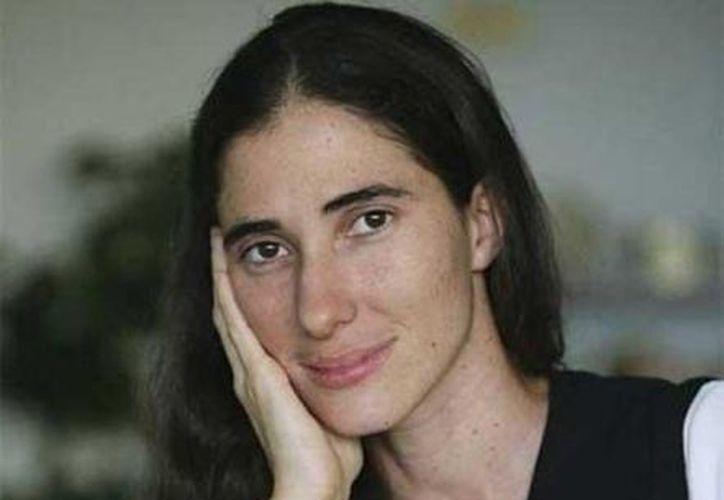 Yoani Sánchez dijo que una veintena de veces le negaron permiso para viajar al exterior. (Archivo/AP)