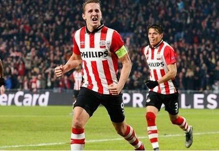 El PSV donde juegan los mexicanos Héctor Moreno y Andrés Guardado quedó eliminado en la Copa de Holanda. (PSV/twitter)