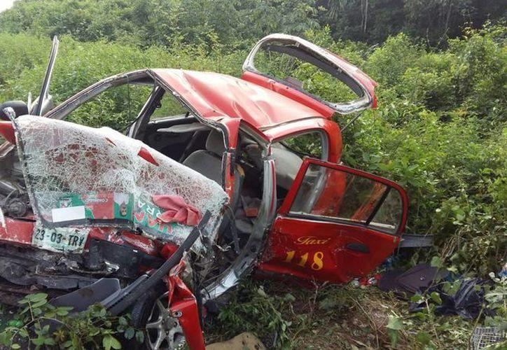 El accidente vehicular ocurrió sobre la carretera federal 184 Muna-Felipe Carrillo Puerto. (Ángel Castilla/SIPSE)