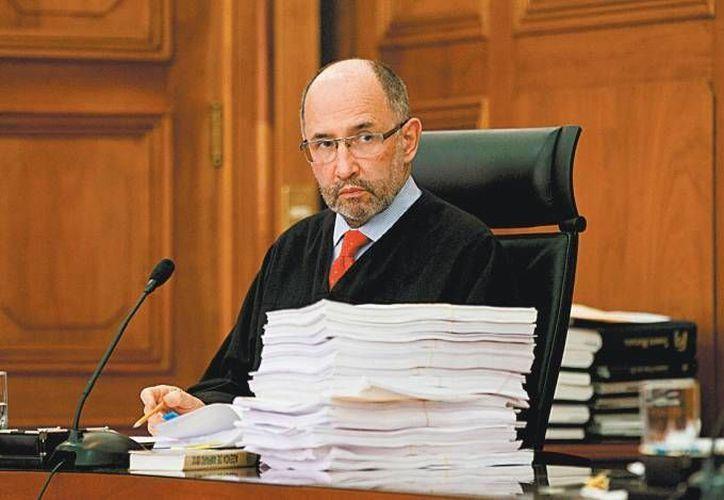 El miércoles, el ministro José Ramón Cossío Díaz presentará a sus homólogos de la Primera Sala de la Suprema Corte un proyecto de sentencia en el que propone otorgar un amparo. (Archivo/Milenio)