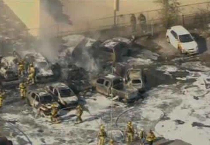 El canal 4 local de la CBS mostró imágenes de numerosos vehículos consumidos por el fuego. (ccbcmd.edu)