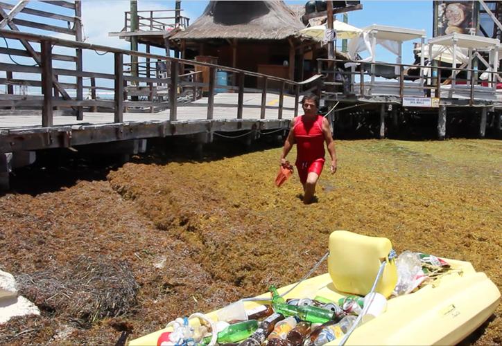 No busca beneficios por hacer algo que considera su forma de ayudar a Cancún.  (Sergio Orozco/SIPSE)