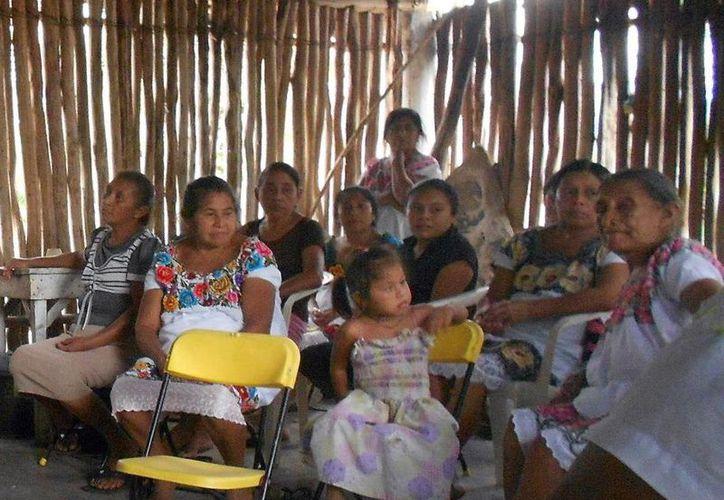 El delegado de Sedesol en Yucatán exhortó a la comunidad a involucrarse en las labores que efectúan las autoridades municipales, estatales y federales. (Milenio Novedades)