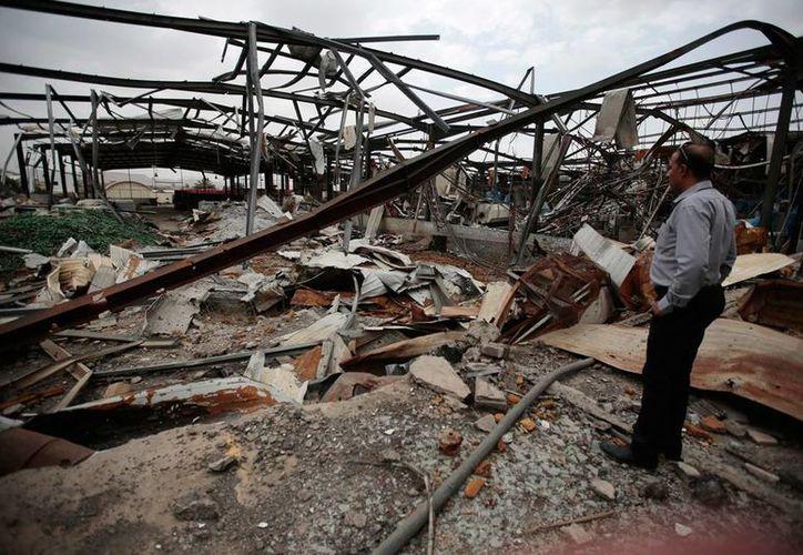 Atentados terroristas en Yemen dejaron saldo rojo entre las fuerzas armadas: 9 soldados murieron. La imagen no corresponde al hecho, sino a daños causados por un ataque, el año pasado, y está utilizada solo como contexto. (AP)