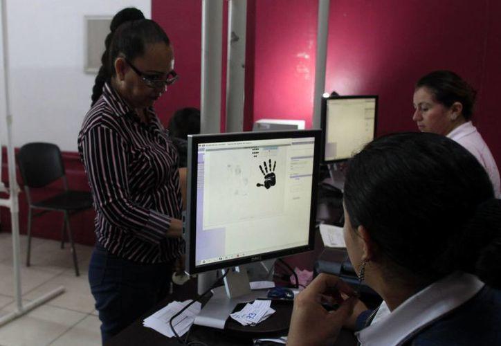 El IFE implementa medidas para erradicar cualquier forma de discriminación en contra de las mujeres. (Archivo/SIPSE)