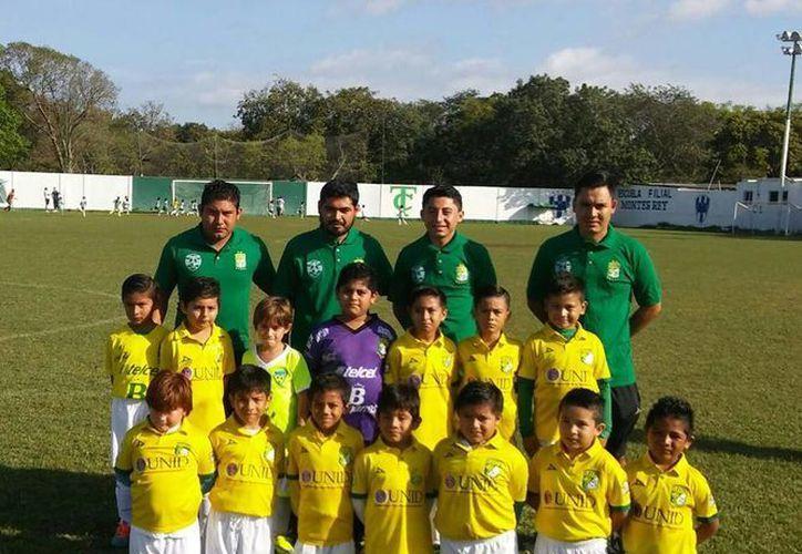 En Juvenil Mayor los cancunenses alcanzaron la ronda de cuartos de final y en la Niños Héroes llegaron a semifinales. (Ángel Mazariego/SIPSE)