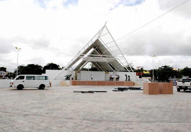 El año pasado se llevo a cabo la Feria del Libro del Instituto Politécnico Nacional en el Parque de las Palapas en Cancún. (Foto/Internet)