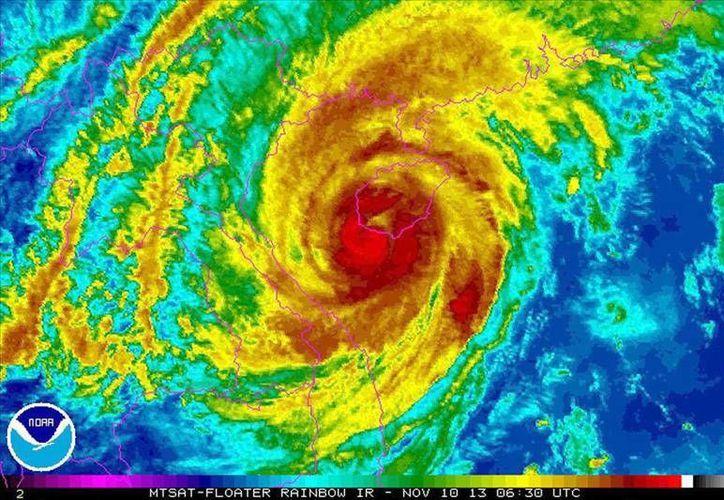 Haiyan es ahora un tifón de categoría 1. (EFE)