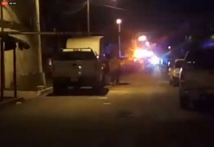 Elementos de la policía preventiva acordonó el área y se encuentra realizando la investigación pertinente. (SIPSE)