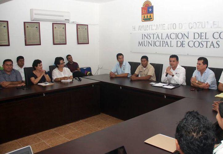 El alcalde encabezó la instalación del comité. (Cortesía/SIPSE)