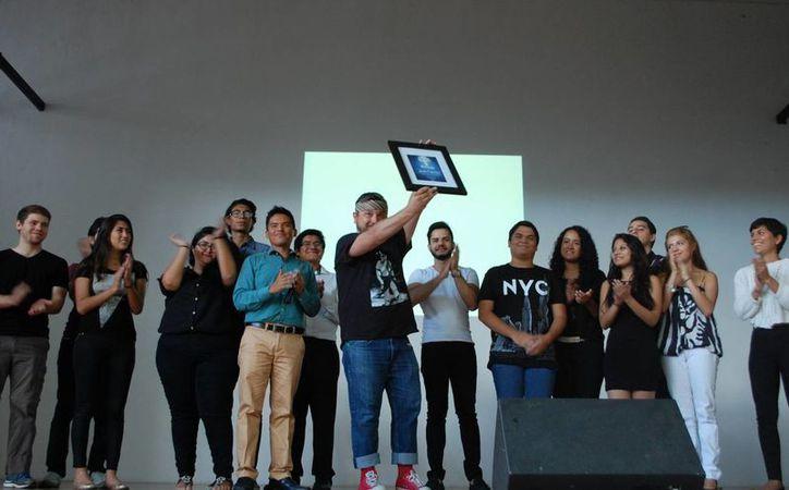 Más de 300 adolescentes y jóvenes asistieron al evento que se llevó a cabo con motivo del Día Internacional de la Juventud. (Victoria González/SIPSE)