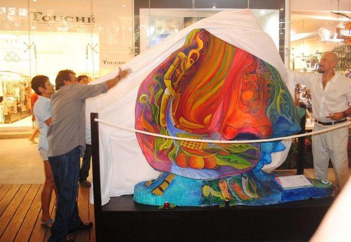 Las esculturas de caracol buscan crear conciencia en le cuidado de esa especie. (Nazly Cen/SIPSE)
