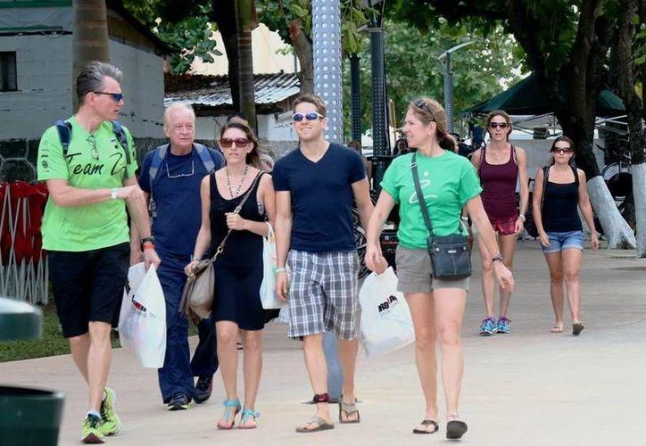 En los primeros seis meses del año se ha superado la cifra de turistas que llega a Cozumel, en relación con el mismo período de 2014. (Cortesía)
