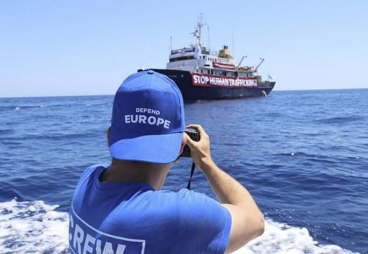Una vez que consiguieron salir hacia aguas internacionales frente a Libia se quedaron sin combustible. (Foto: El Mundo)