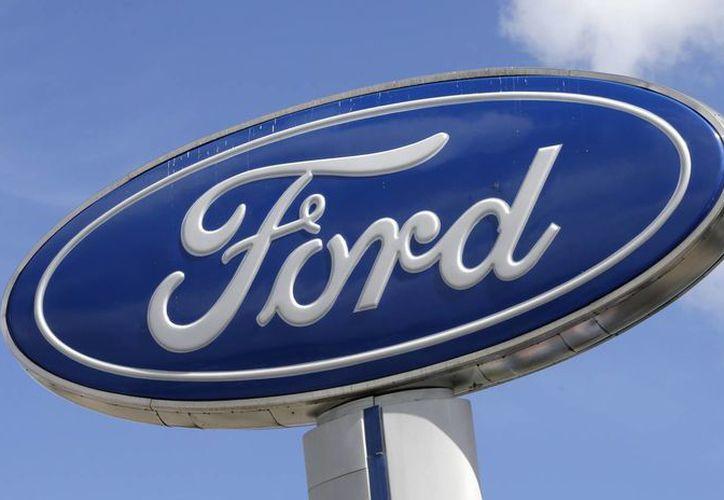 Ford pasó buena parte del 2016 en el centro de una tormenta política generada por su decisión de trasladar la producción de sus autos compactos Ford Focus a México. (AP/Alan Diaz)
