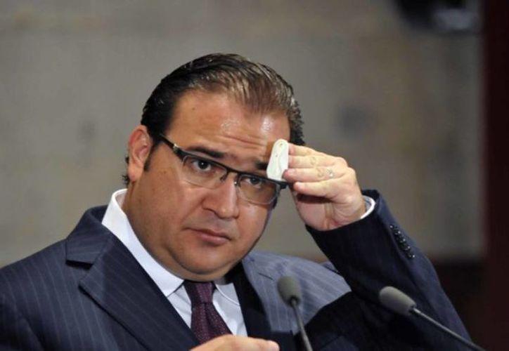 Policías federales buscaron anoche al gobernador de Veracruz con licencia, Javier Duarte, en un rancho de Chiapas, pero no lo localizaron. (Viva la noticia)