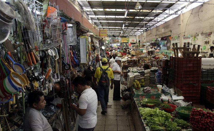 Pese a los proyectos de la Canacome, no se descuidaría el mejoramiento de los mercados Lucas de Gálvez y San Benito. (Chrstian Ayala/SIPSE)