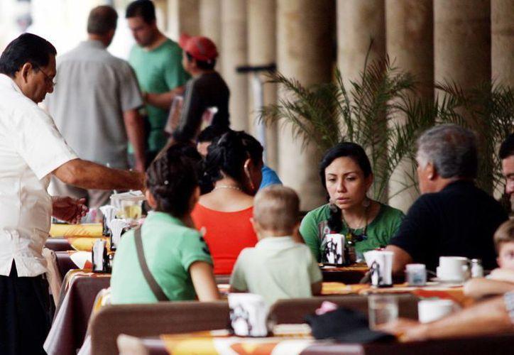 Restauranteros yucatecos esperan recibir a miles de turistas en estas vacaciones. (Milenio Novedades)
