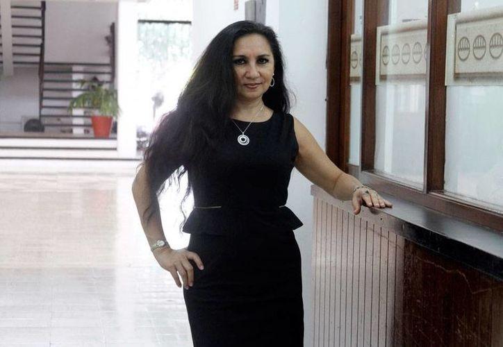 La cantante Abril Rivas tendrá una noche de música romántica, en el marco del Otoño Cultural 2015. (Milenio Novedades)