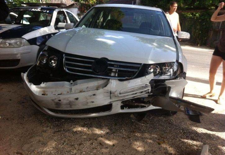 Exhortan a la ciudadanía a conducir a una velocidad adecuada, guardar distancia de otros automóviles y utilizar el cinturón de seguridad. (Rossy López/SIPSE)