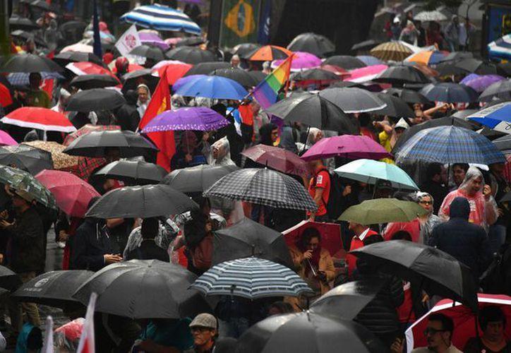 Las lluvias que han caído en Brasil en las últimas horas igualan a la cantidad esperada para todo un mes. (Foto: La Jornada)