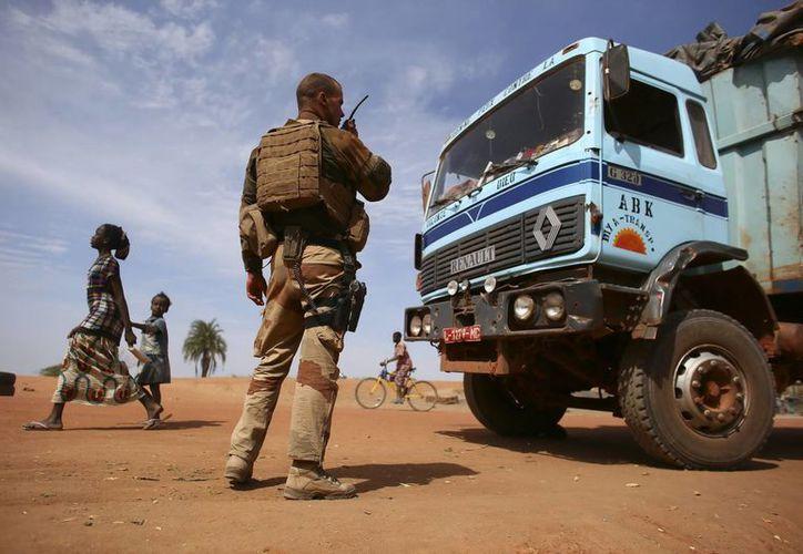 Los ataques de las fuerzas francesas obligaron a los islamistas a dispersarse en las montañas. (Archivo/EFE)