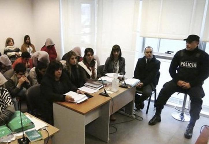 Los asaltantes fueron sentenciados después de que aceptaran su participación en dichos hechos. (Foto: Twitter)