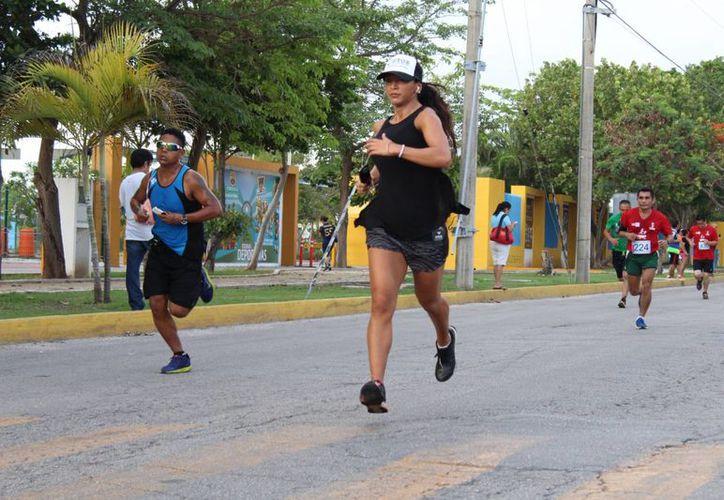 Analizarán si continúan haciendo el maratón en la zona hotelera. (Israel Leal/SIPSE)