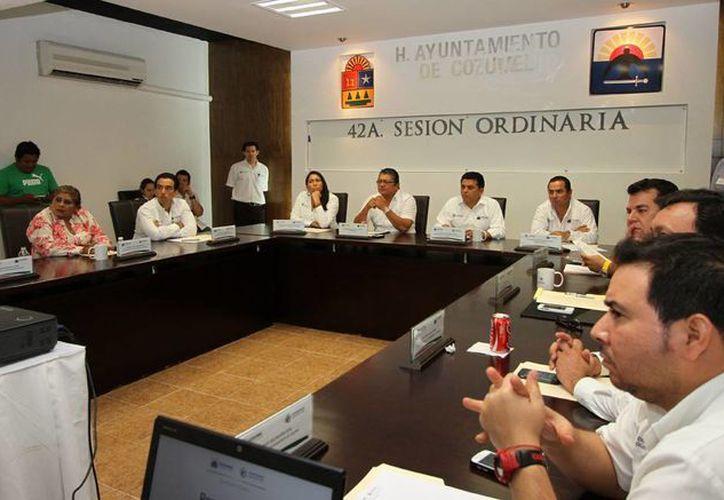El alcalde encabezó la cuadragésima segunda sesión ordinaria. (Cortesía/SIPSE)